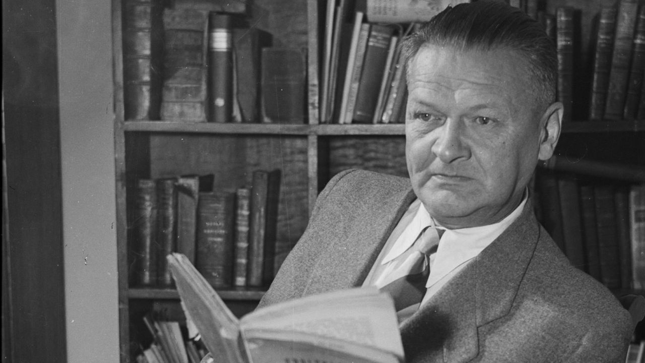 Władysław Broniewski (fot.arch.PAP/CAF)