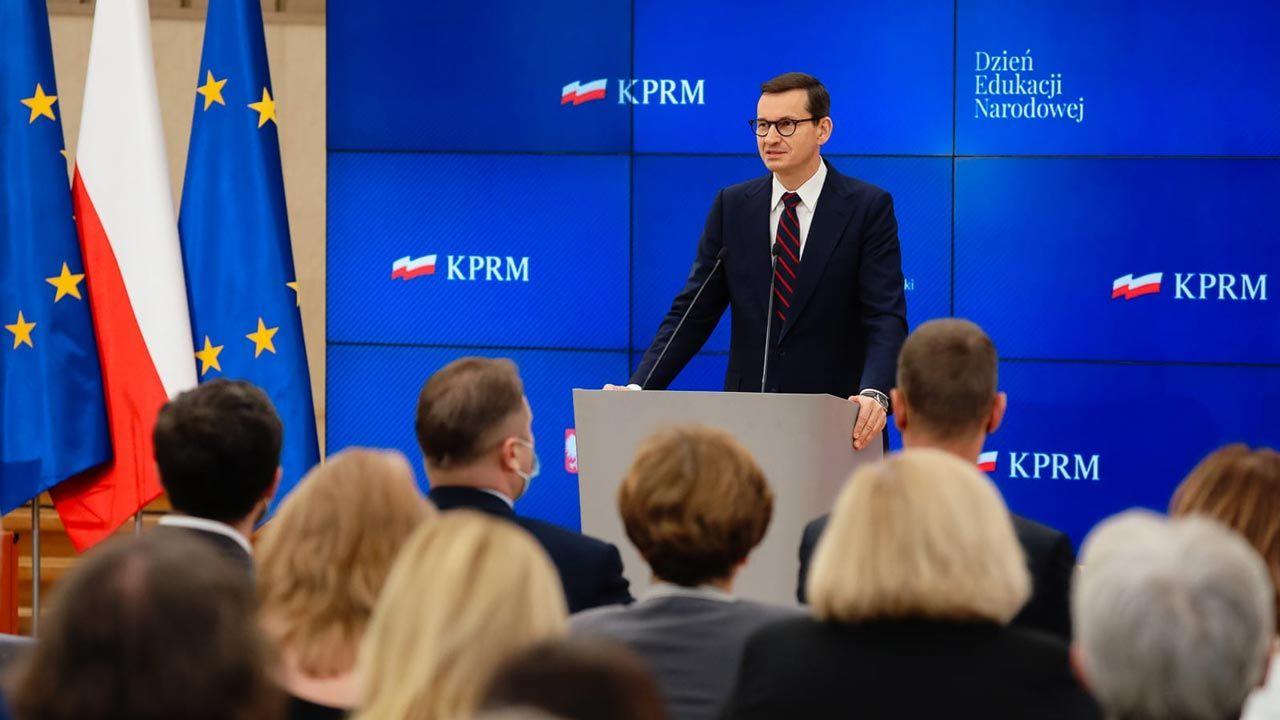 Premier Mateusz Morawiecki zwrócił się do nauczycieli (fot. Twitter/KPRM)