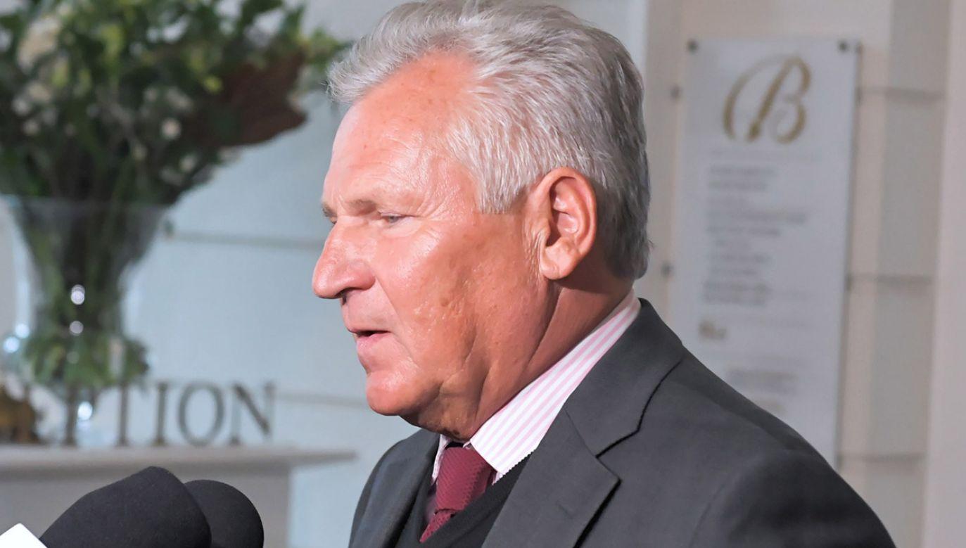 """Zdaniem Kwaśniewskiego to, co powiedział w tej sprawie """"agent Tomek"""", jest prawdą (fot. PAP/Andrzej Lange)"""