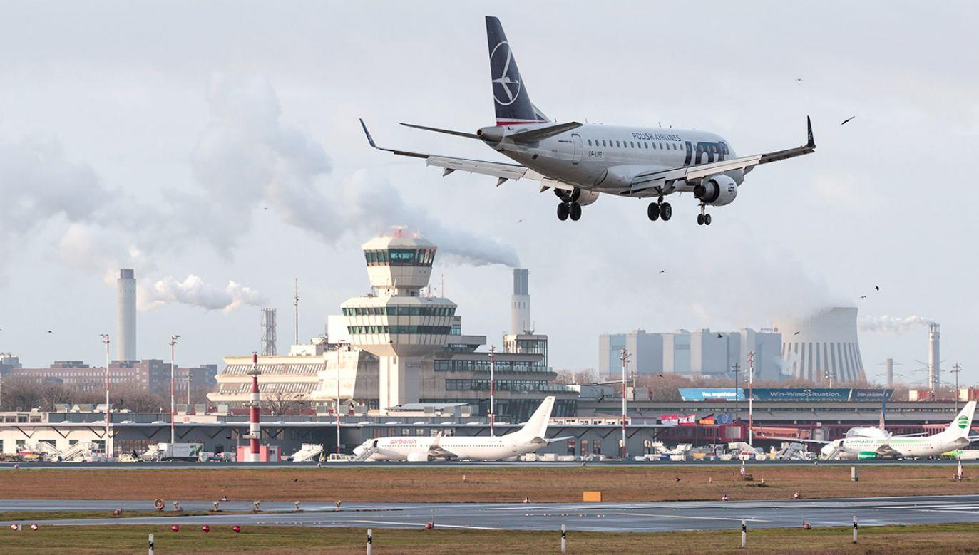 Niedawny zakup przez PLL LOT niemieckich linii lotniczych Condor Airlines wywołał prawdziwą burzę  (fot. PAP/EPA/HAYOUNG JEON)