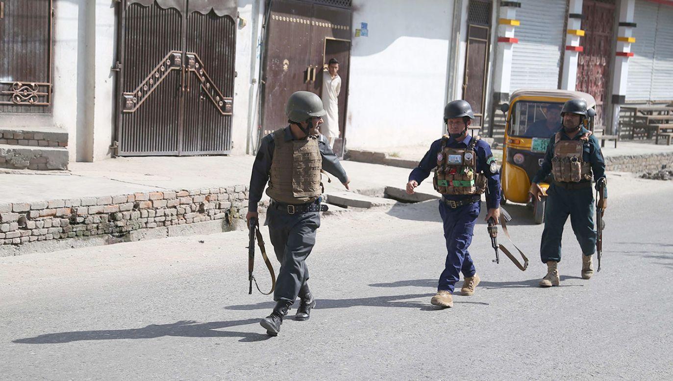 Większość cywilów, którzy zginęli w wyniku walk, została zabita przez rządowe siły afgańskie i Amerykanów (fot. PAP/EPA/GHULAMULLAH HABIBI)