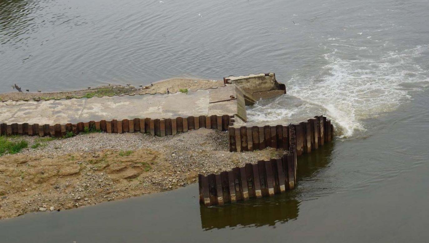 Miejsce zrzutu ścieków do Wisły (fot. PAP/Tomasz Gzell)