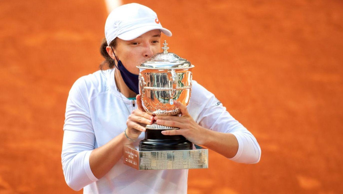 Iga Świątek po zwycięstwie w zawodach French Open 2020 (fot. Tim Clayton/Corbis via Getty Images)