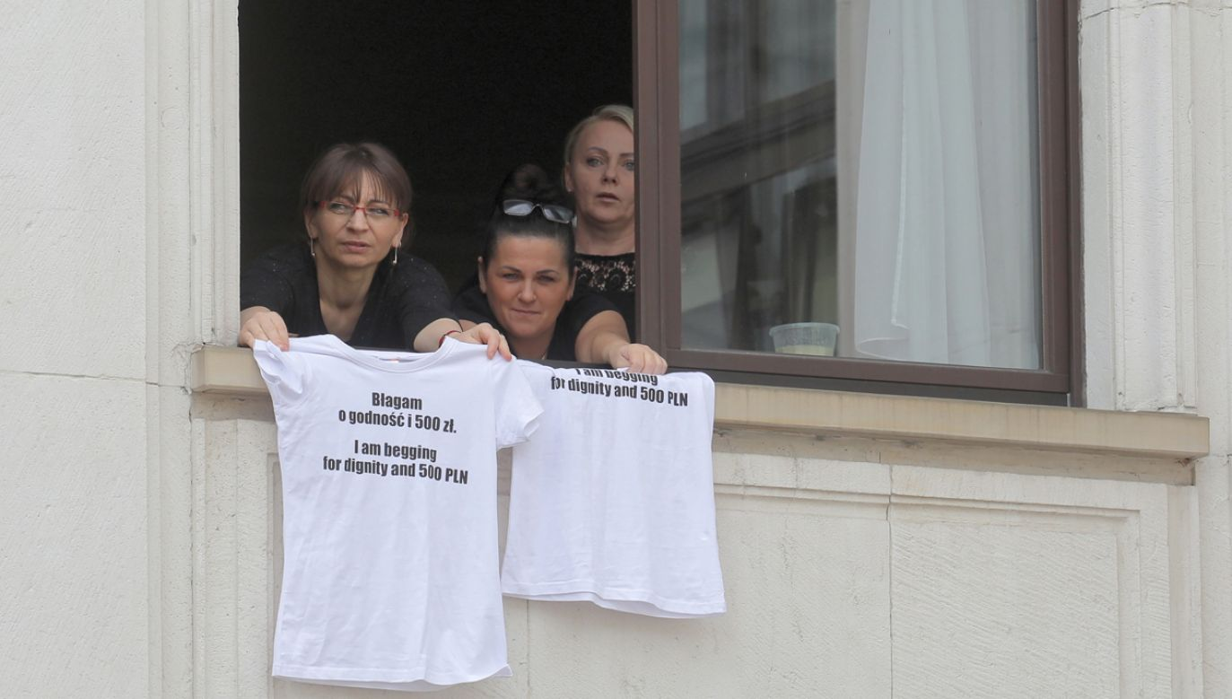 Iwona Hartwich (1P) domagała się 500 zł zasiłku dla niepełnosprawnych. Teraz mówi, że to hańba, skandal i policzek (fot. PAP/Paweł Supernak)
