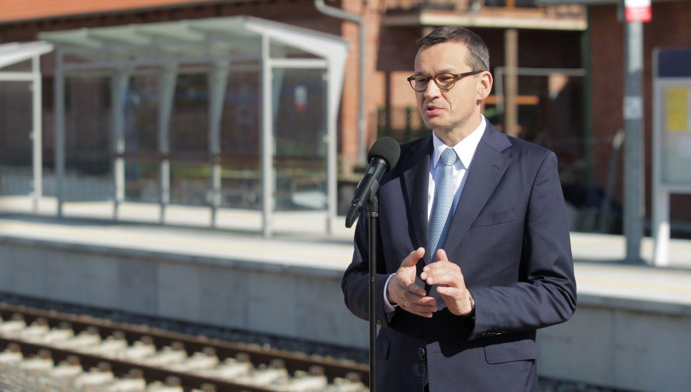– Fundusz będzie wspierał pasjonatów historii, młodych naukowców oraz fundacje i stowarzyszenia – mówił premier (fot. PAP/Tomasz Waszczuk)