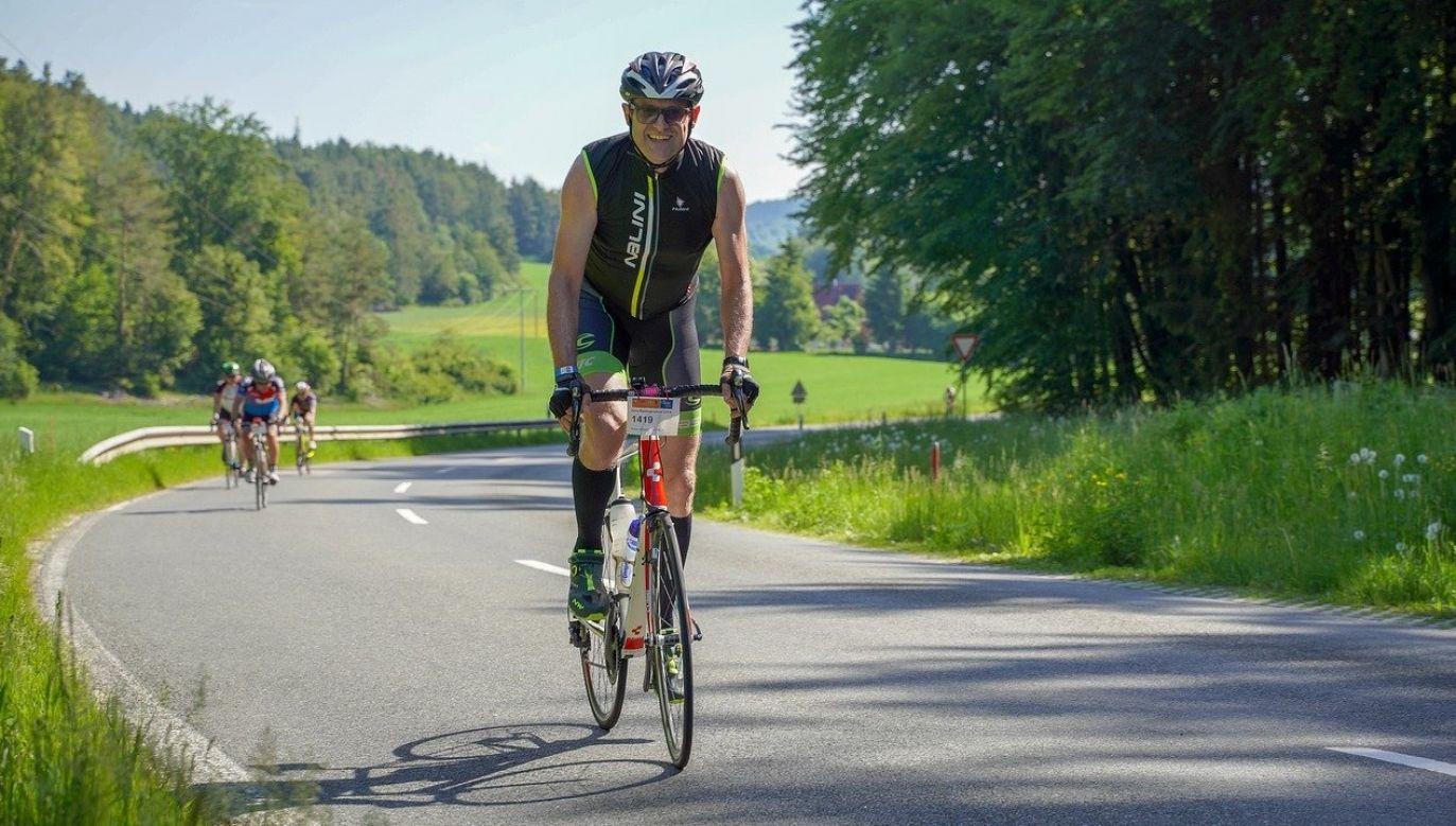 10 minut intensywnej jazdy na rowerze istotnie zwiększa aktywność ubikwityny (pixabay em80)