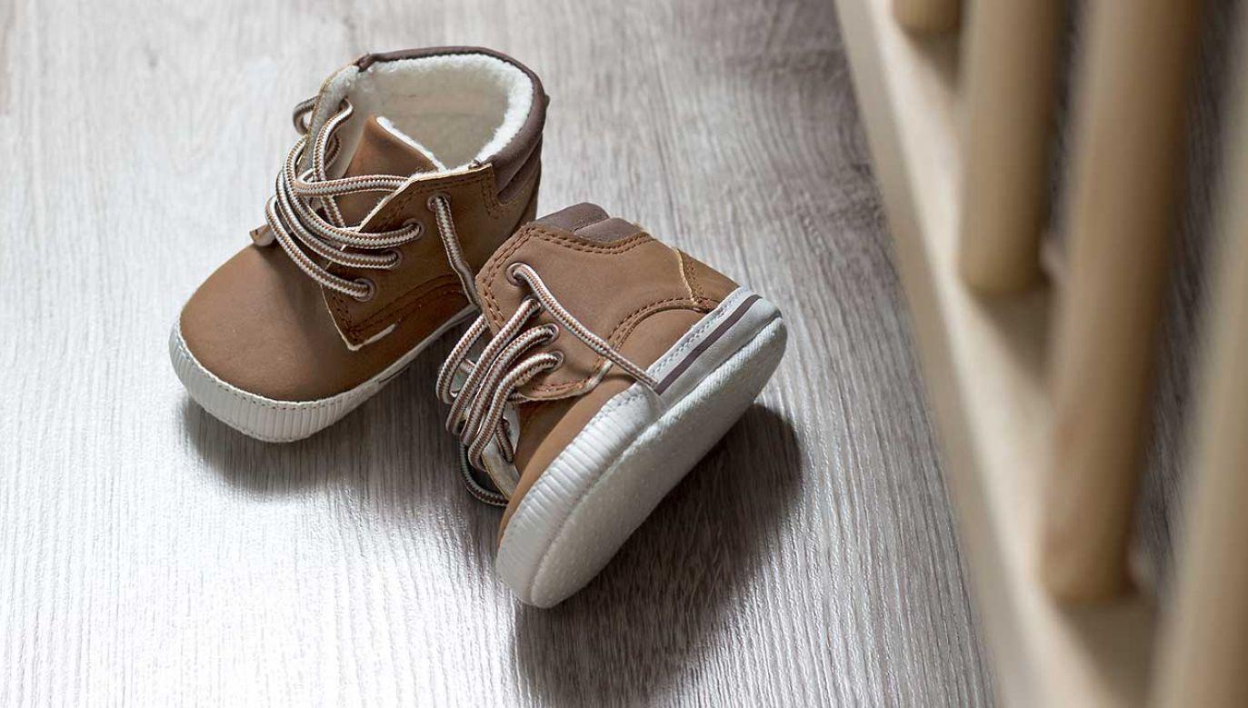 Dziecko do marca przebywało w rodzinie zastępczej (fot. Shutterstock/csivasz)