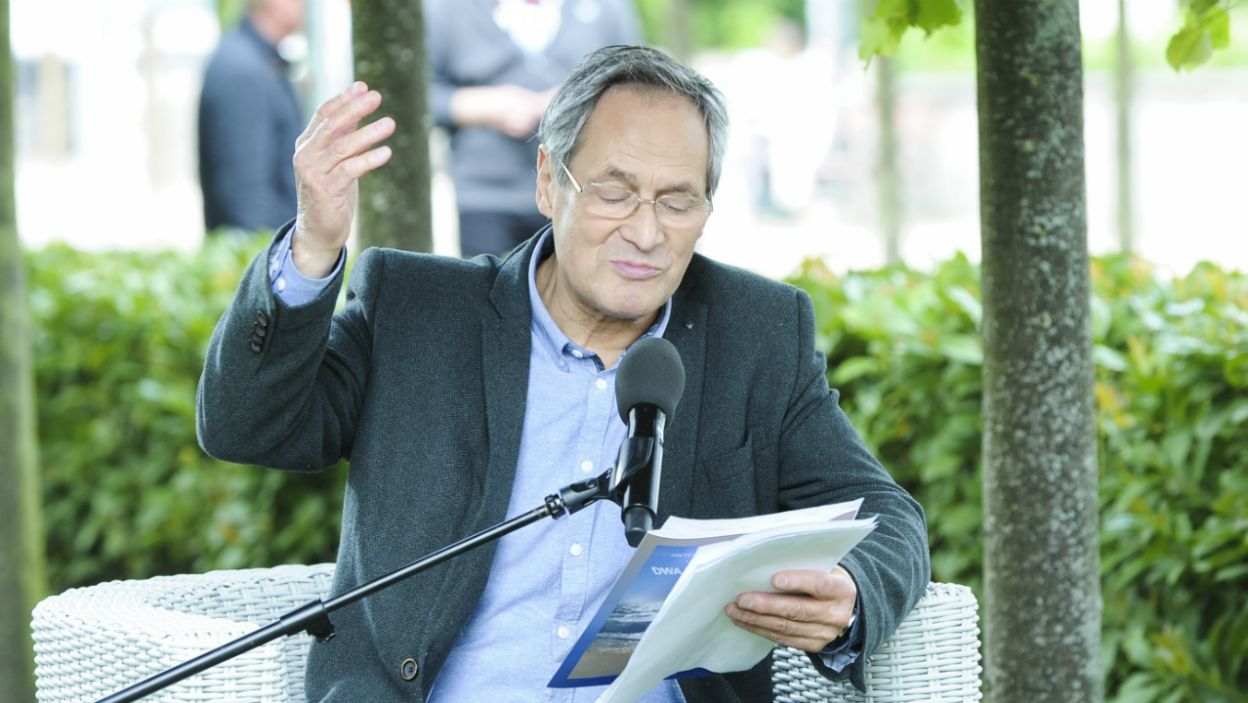 Jerzy Zelnik uczestniczył w czytaniu twórczości Gustawa Herlinga-Grudzińskiego (fot. Natasza Młudzik/TVP)
