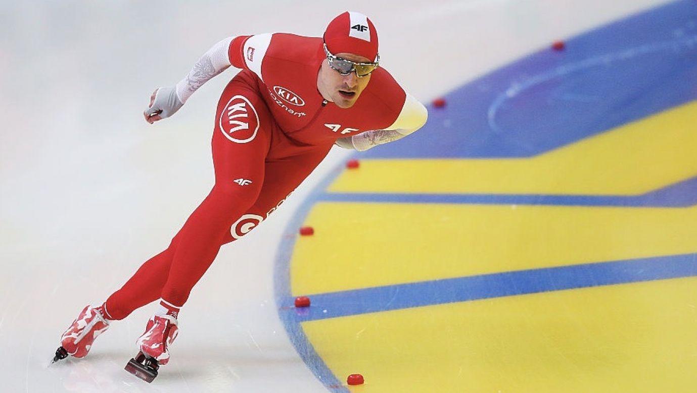 Jan Szymański nie zadeklarował, że wróci do zawodowego łyżwiarstwa, ale przyznał, że wrześniu będzie chciał wystartować w zawodach w Tomaszowie Mazowieckim (fot. Joosep Martinson/International Skating Union via Getty Images)