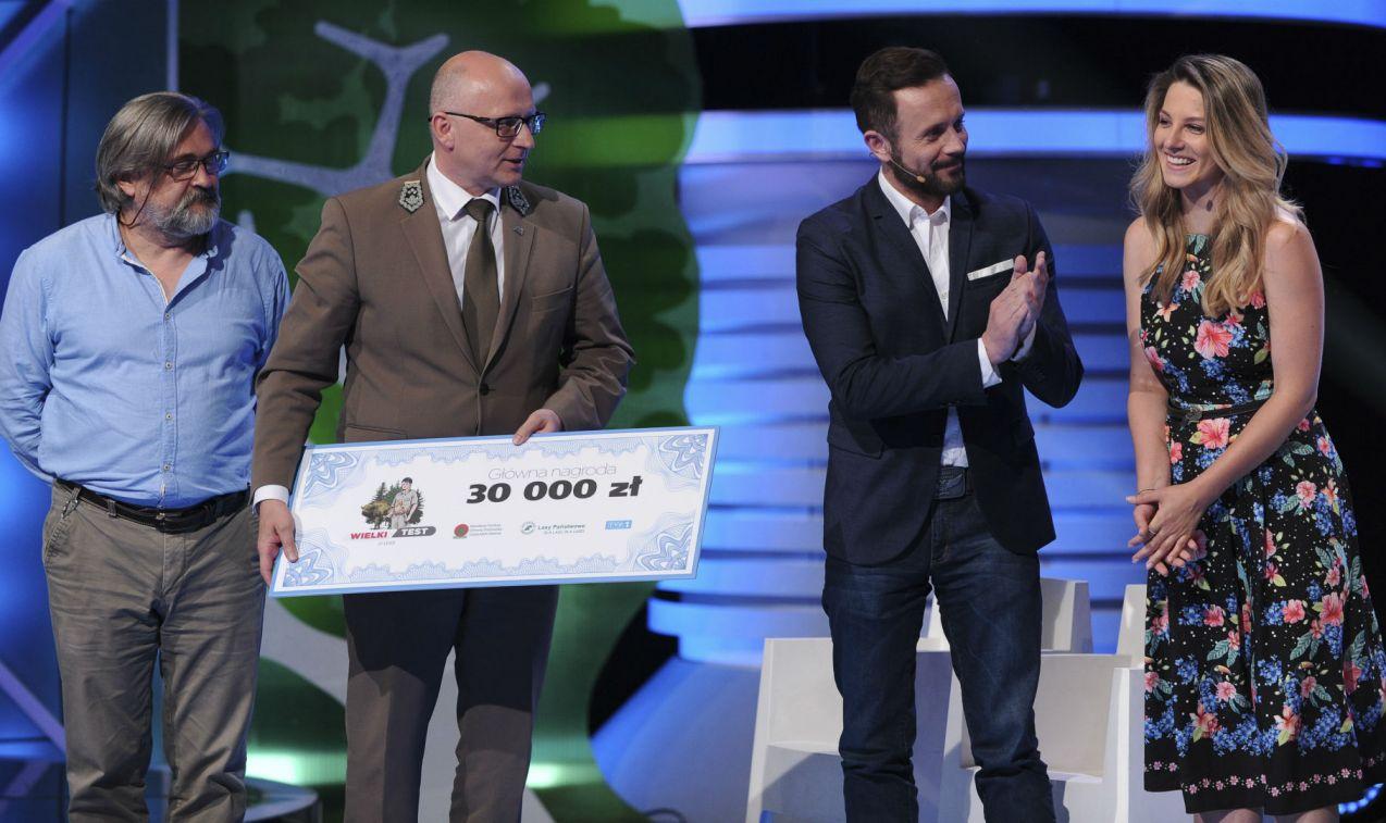 Zwycięzcy otrzymali nagrodę w wysokości 30 tysięcy złotych... (fot. N. Młudzik/TVP)