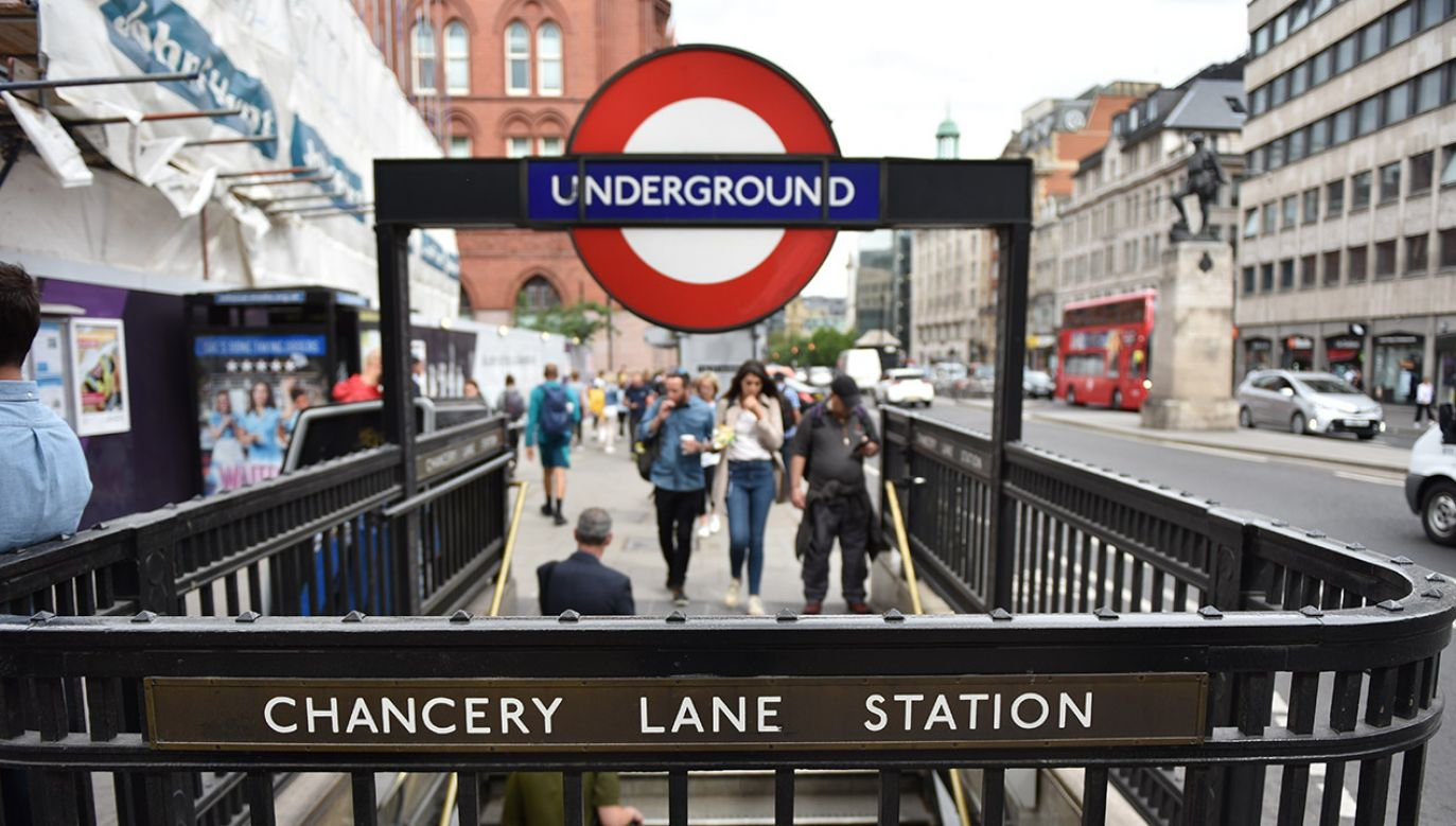 Czy w Wlk. Brytanii zakażą jedzenia i picia w miejskich autobusach, tramwajach i pociągach? (fot. John Keeble/Contributor/Gettyimages)