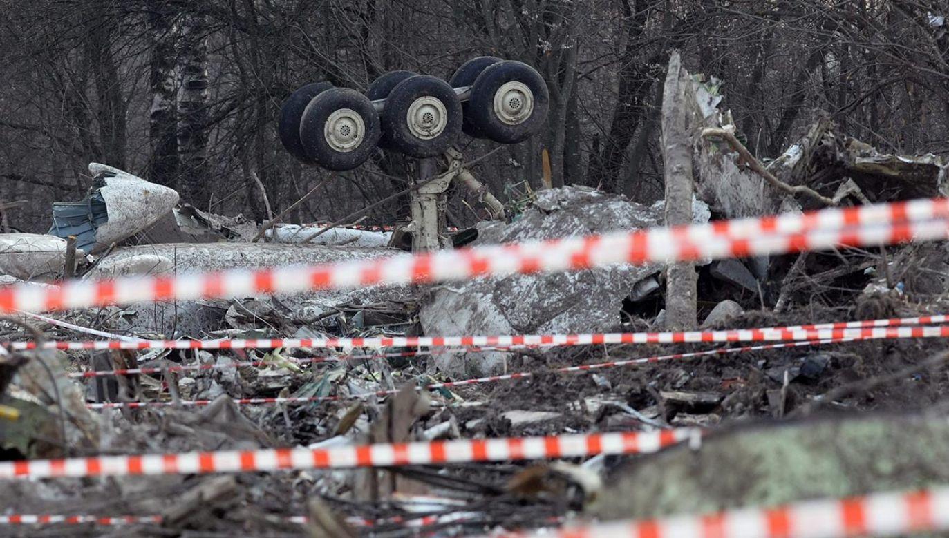 W sobotę minęło 11 lat od katastrofy samolotu pod Smoleńskiem (fot. PAP/EPA/SERGEI CHIRIKOV)