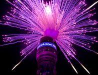 Pokaz sztucznych ogni na szczycie wieży telewizyjnej (fot. LOCOG)