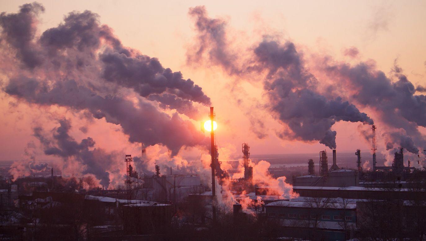 Mechanizm ten ma być m.in. wsparciem finansowym dla krajów uzależnionych od paliw kopalnych w procesie transformacji energetycznej (fot. Shutterstock/ kapichka