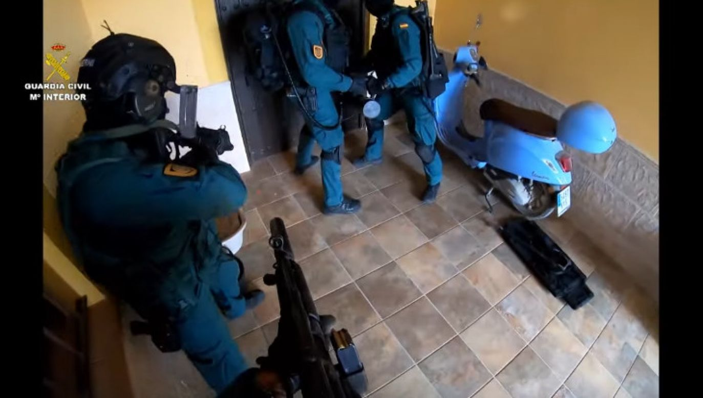 W zatrzymaniu bossa gangu uczestniczyło 50 funkcjonariuszy (fot. Guardia Civil)