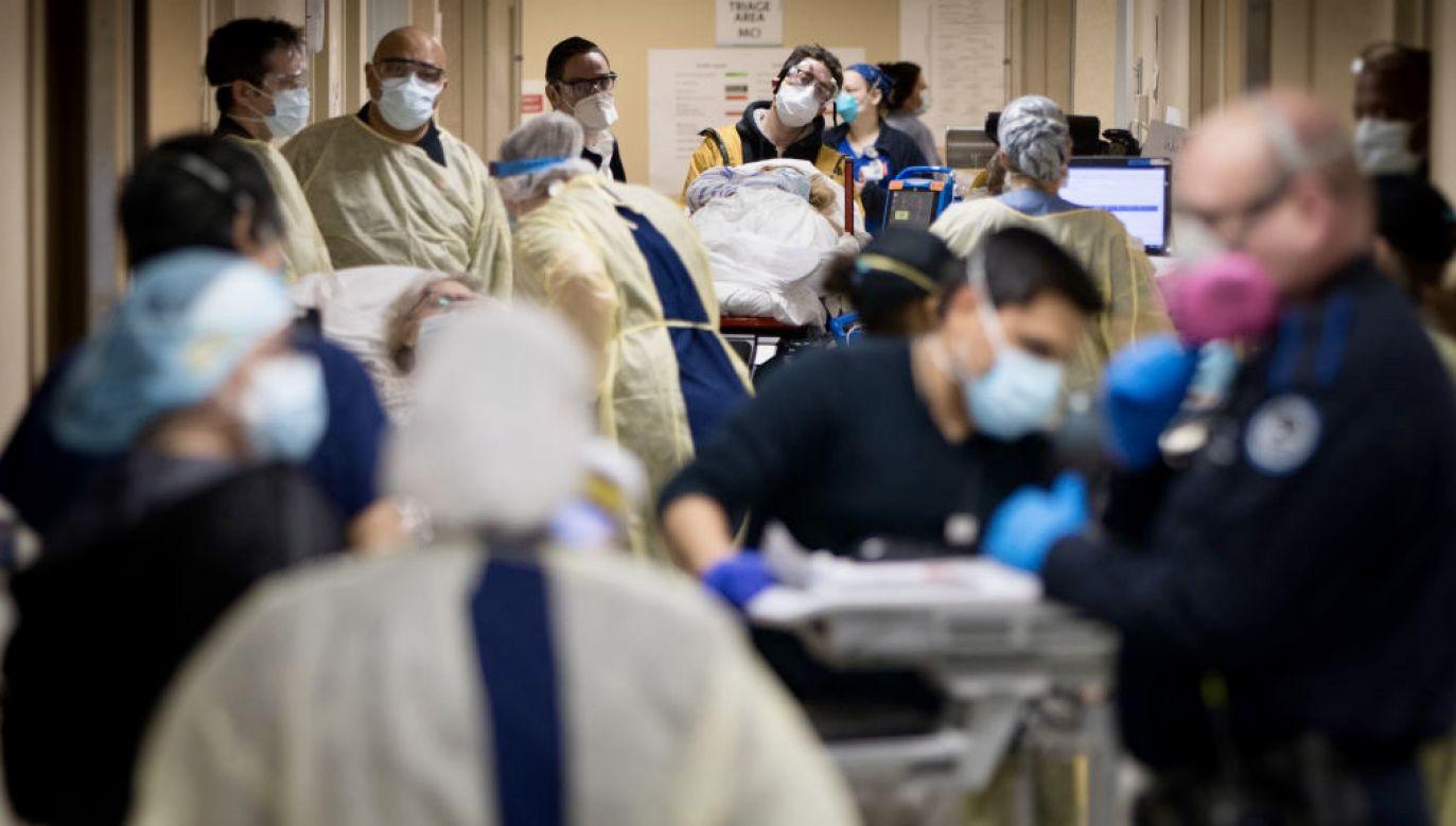 Opublikowano zaktualizowaną prognozę dotyczącą zgonów spowodowanych koronawirusem (fot. J.Basinger/Newsday/Getty Images)