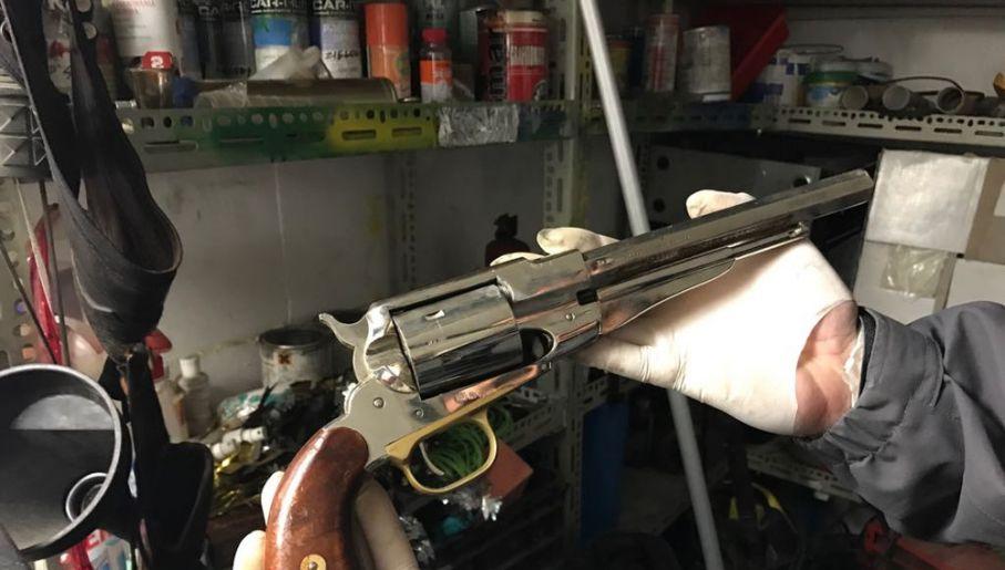 Broń znaleziona u jednego z handlarzy (fot. CBŚP)
