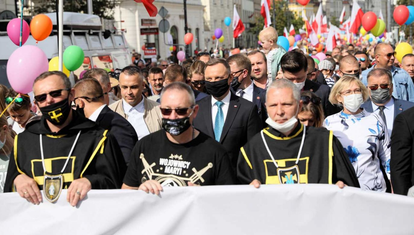 Prezydent wśród uczestników Marszu dla Życia i Rodziny (fot. TVP Info)