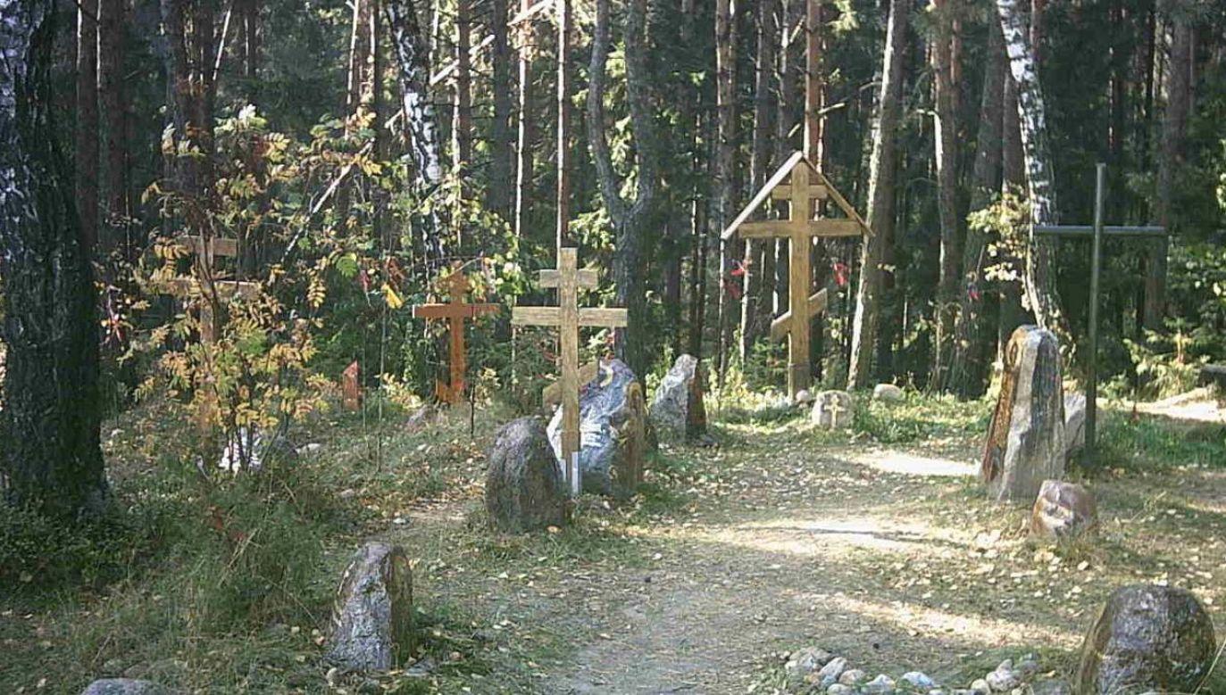 Krzyże w Kuropatach (Fot.Tobster z niemieckiej Wikipedii)