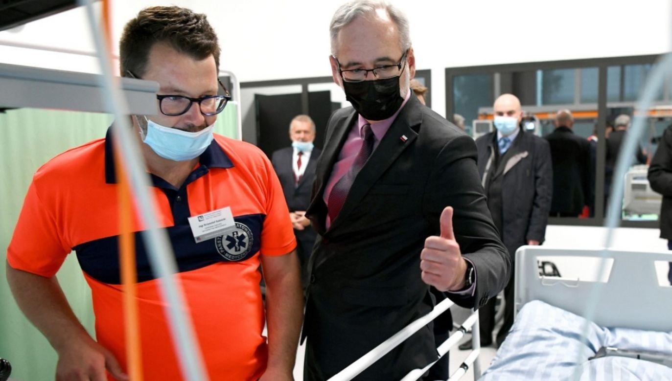 Minister zdrowia poinformował o porozumeniu z ratownikami medycznymi (fot. PAP/D.Delmanowicz)