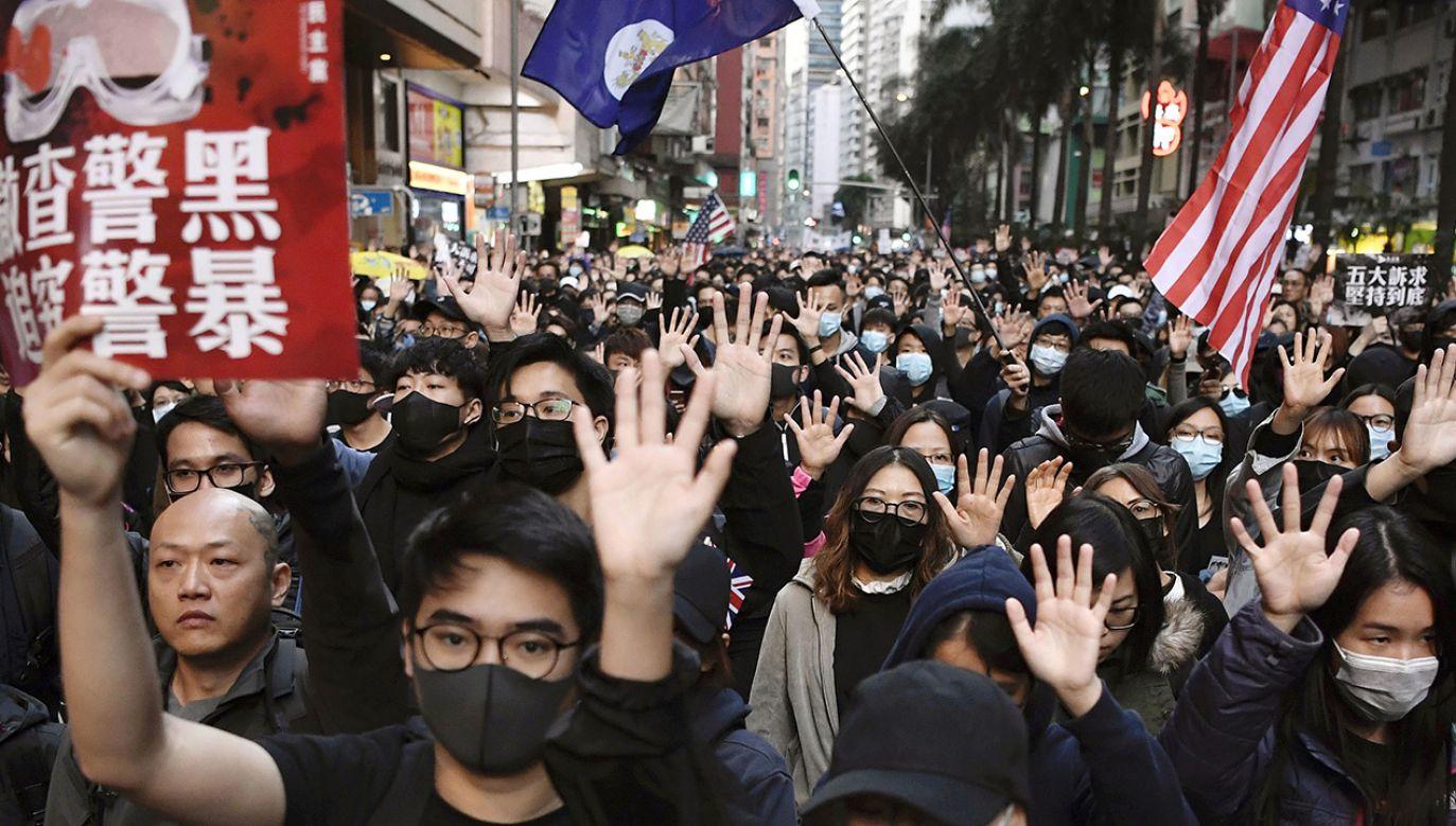Pekin nie toleruje żadnych przejawów sprzeciwu, w tym niezależności mediów (fot. Kyodo News via Getty Images)