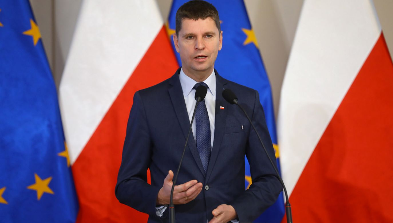 Minister przypomniał, że nauczyciele mają dużą swobodę w kształtowaniu treści lekcji (fot. PAP/Rafał Guz)