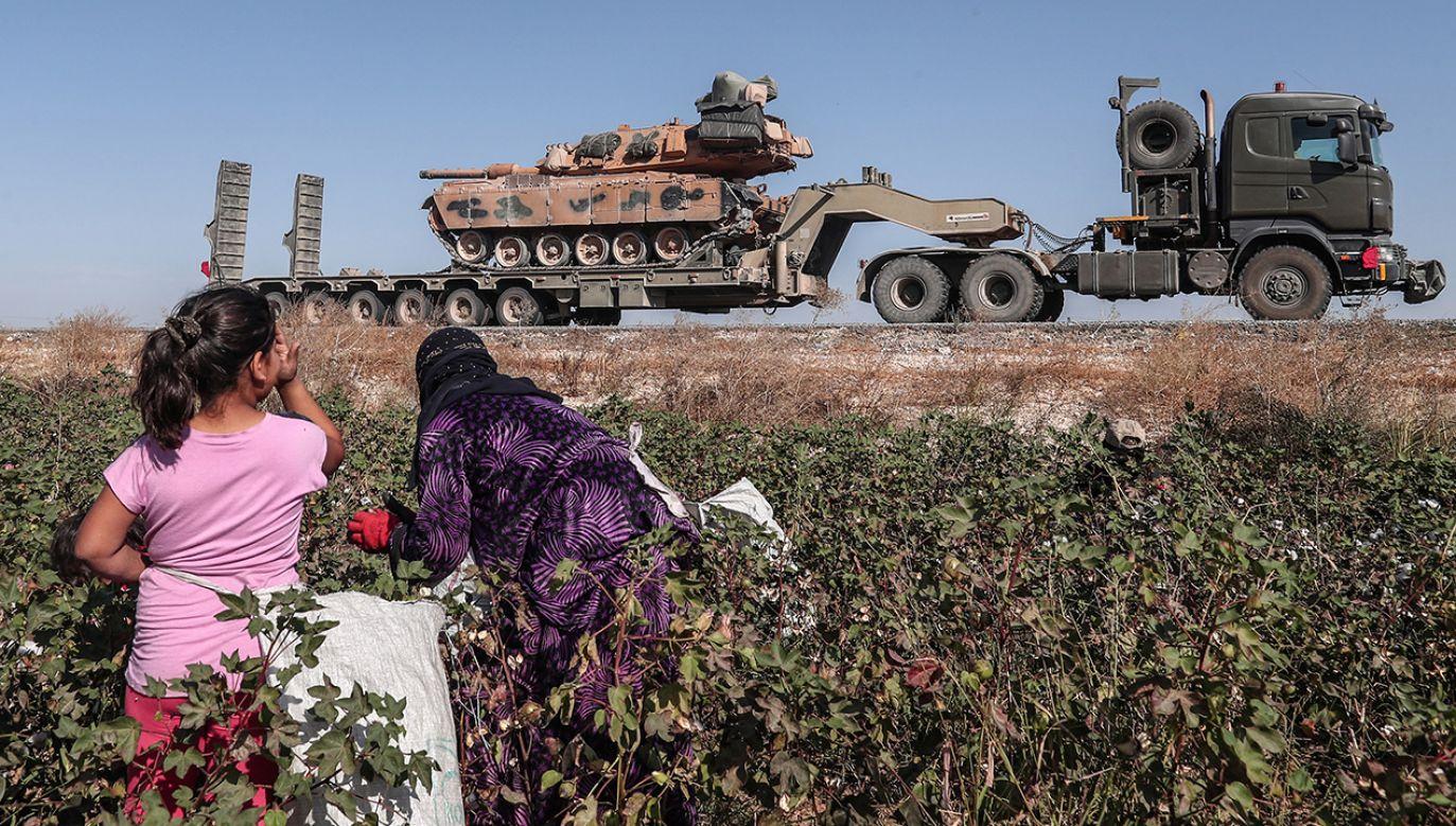 """""""USA nigdy nie dały zielonego światła do ataku na Kurdów"""" – twierdzi prezydent USA (fot. PAP/EPA/SEDAT SUNA"""