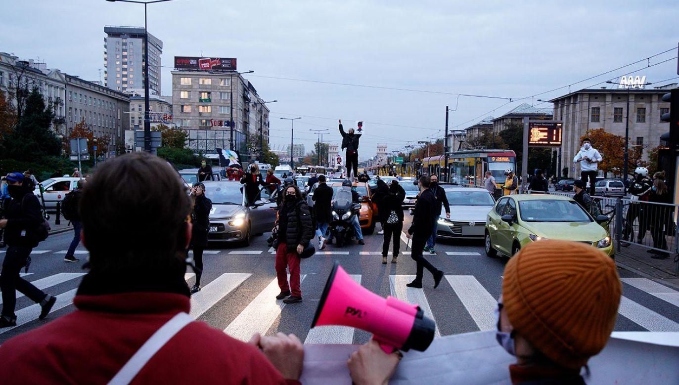W Warszawie od piątku trwająprotesty (fot. Jaap Arriens/NurPhoto via Getty Images)