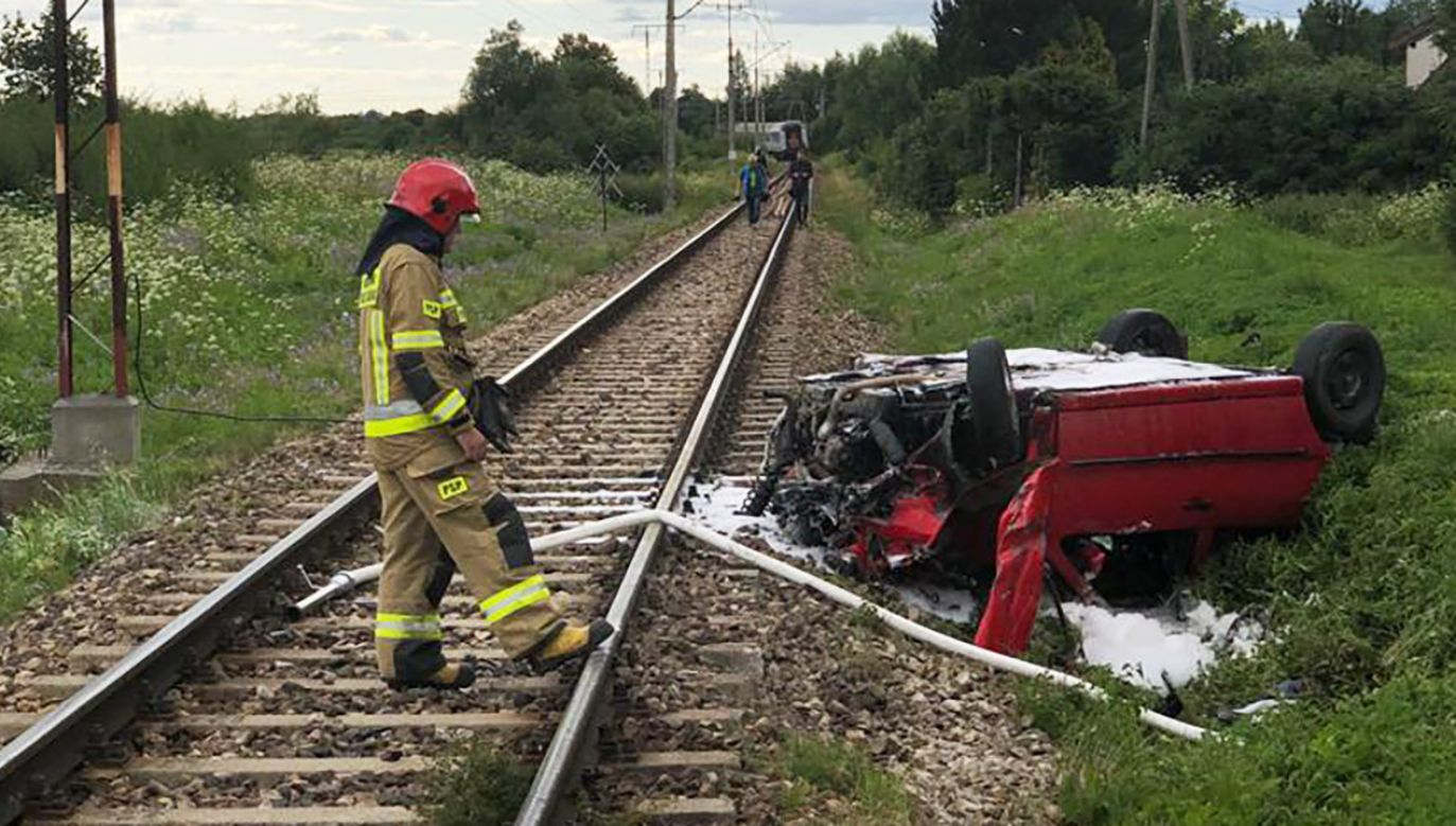 Kierowca i pasażerowie trafili do szpitala (fot. KMP w Elblągu)