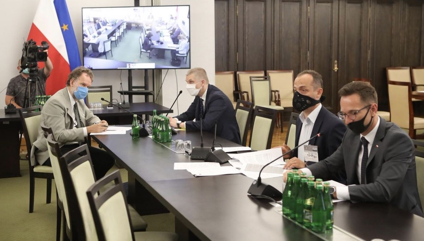 Rezolucja ma m.in. wezwać władze w Mińsku do zaprzestania represji i nawiązania dialogu z obywatelami (fot. SenatRP)