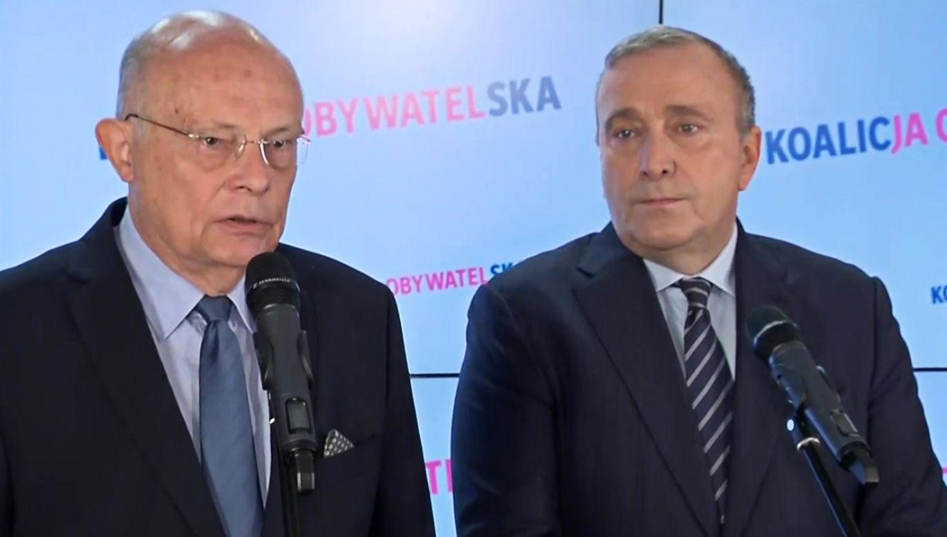 Marek Borowski (L) i Grzegorz Schetyna (P) na konferencji prasowej (fot. TVP Info)