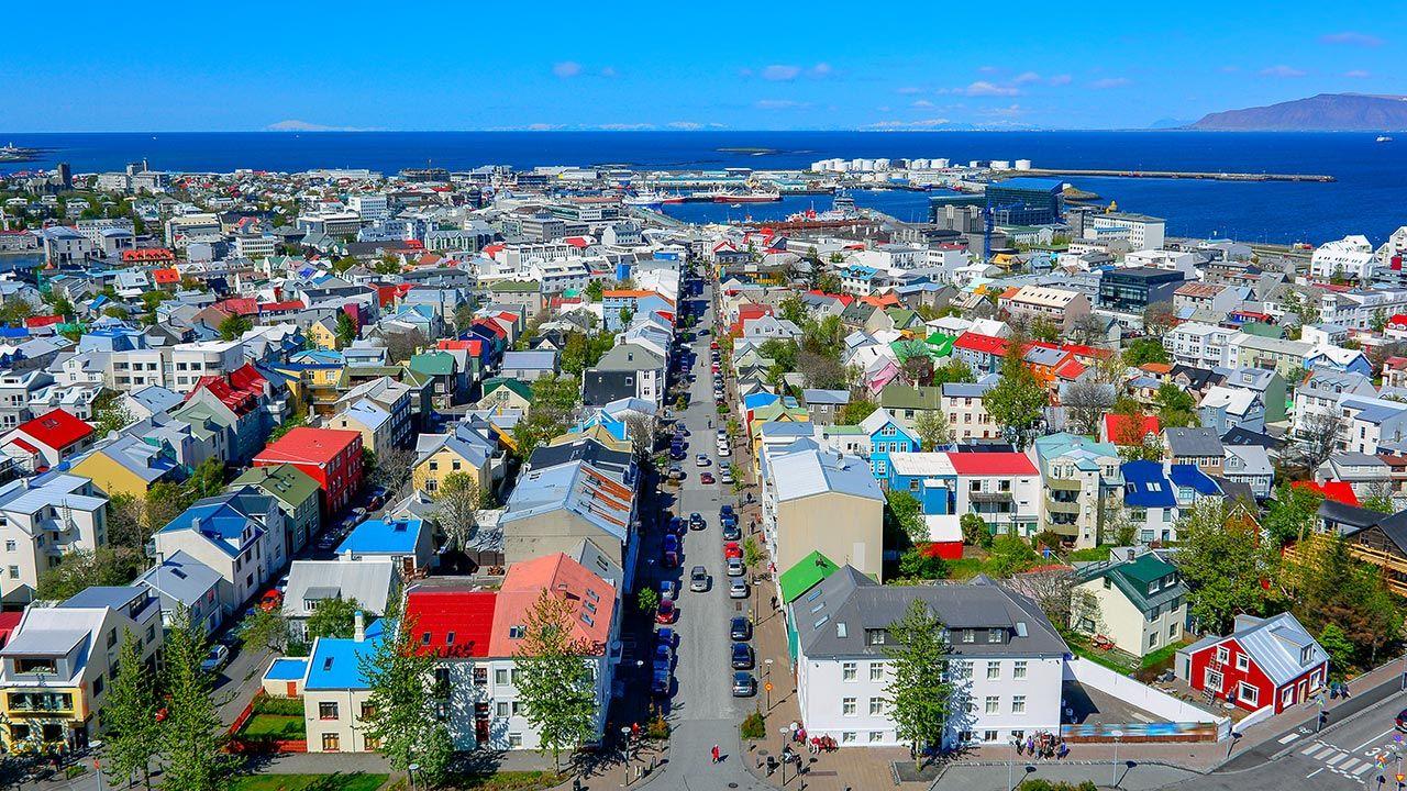 Na Islandii mieszka około 20 tys. Polaków (fot. Shutterstock/Suradech Singhanat)