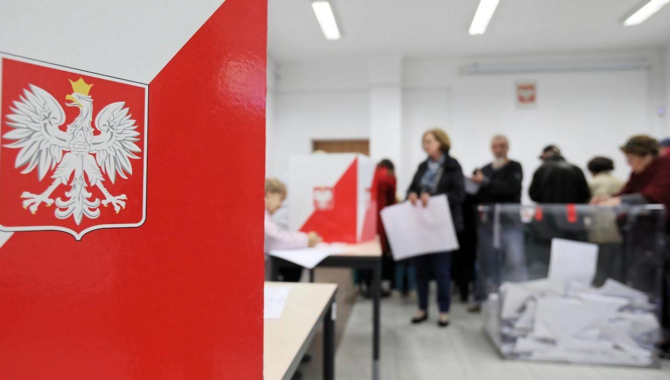 W większym stopniu niż się spodziewano wybory prezydenckie przypominają polityczną grę o wszystko (fot. PAP/Leszek Szymański)
