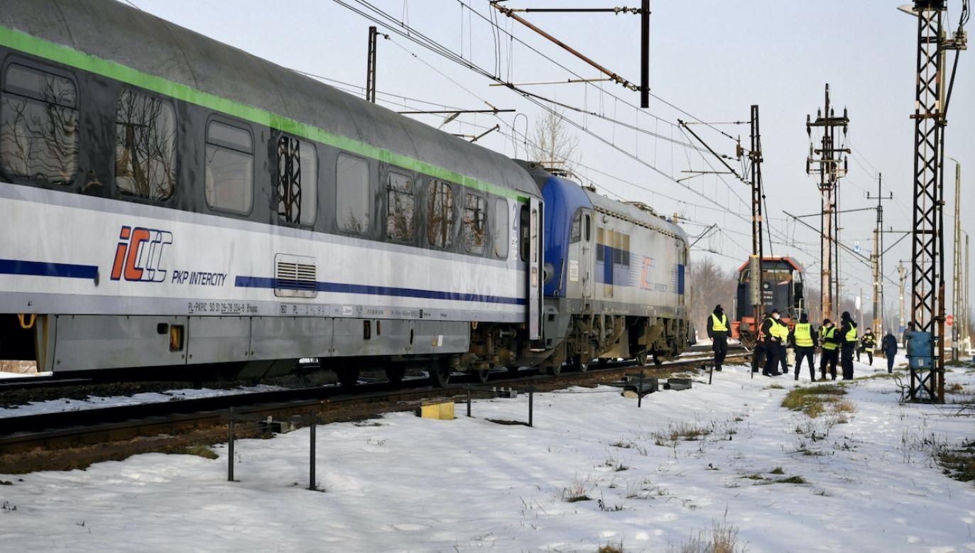 Wypadek wydarzył się o godz. 5.30 (fot. PAP/D.Delmanowicz)