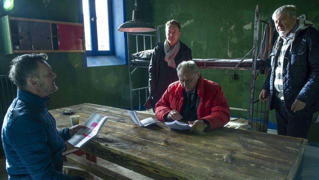 Przedstawienie wyreżyserował Zbigniew Lesień (pierwszy z prawej) (fot. Natasza Młudzik)