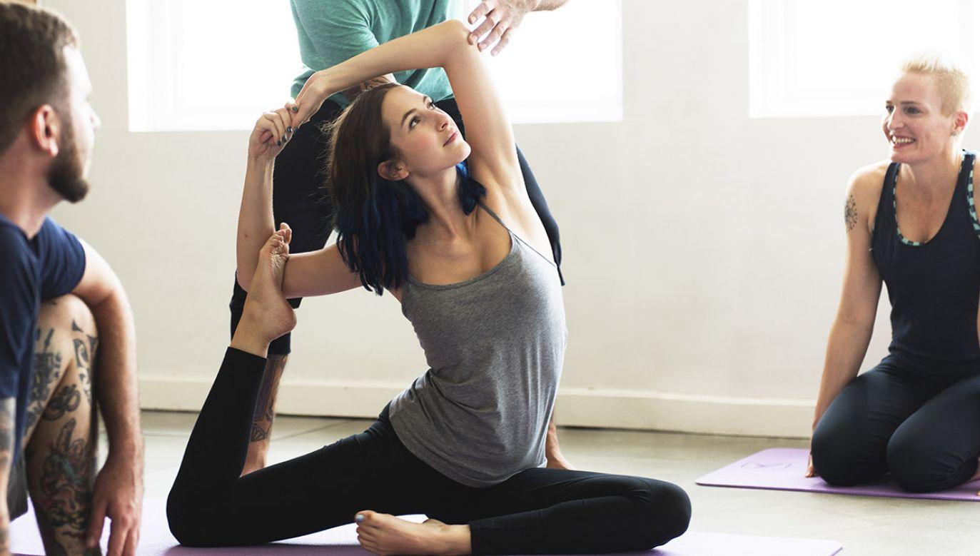 Specjalista zaleca, żeby nie lekceważyć bólu stawów, jaki pojawia się podczas niektórych ćwiczeń (fot. Shutterstock/Rawpixel.com)