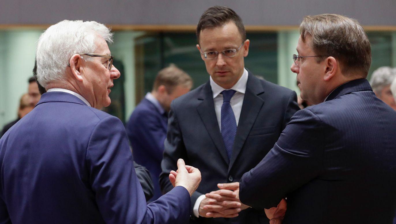 Minister Jacek Czaputowicz zapowiedział wizytę ministrów kilku państw UE w Albanii i Macedonii Płn. (fot.PAP/EPA/OLIVIER HOSLET)