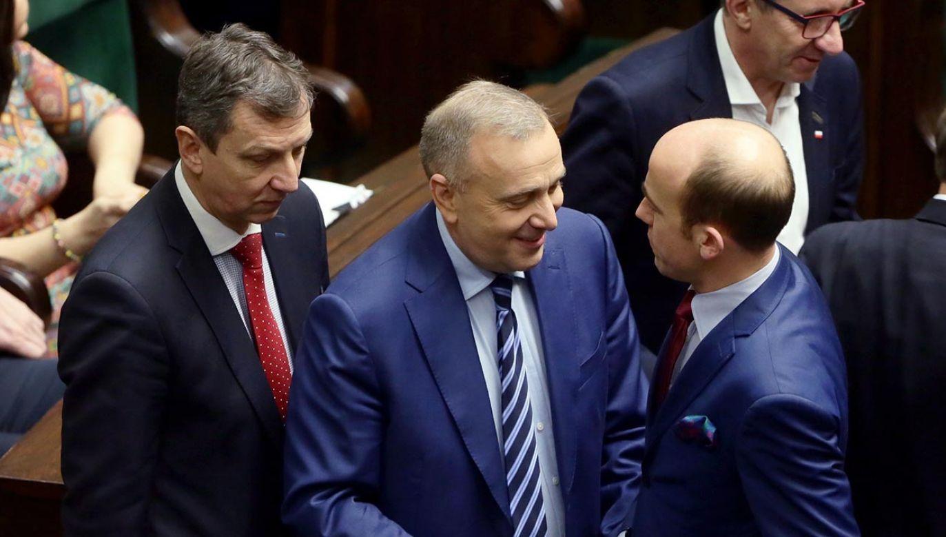Od lewej: Andrzej Halicki, Grzegorz Schetyna i Borys Budka (fot. PAP/Tomasz Gzell)