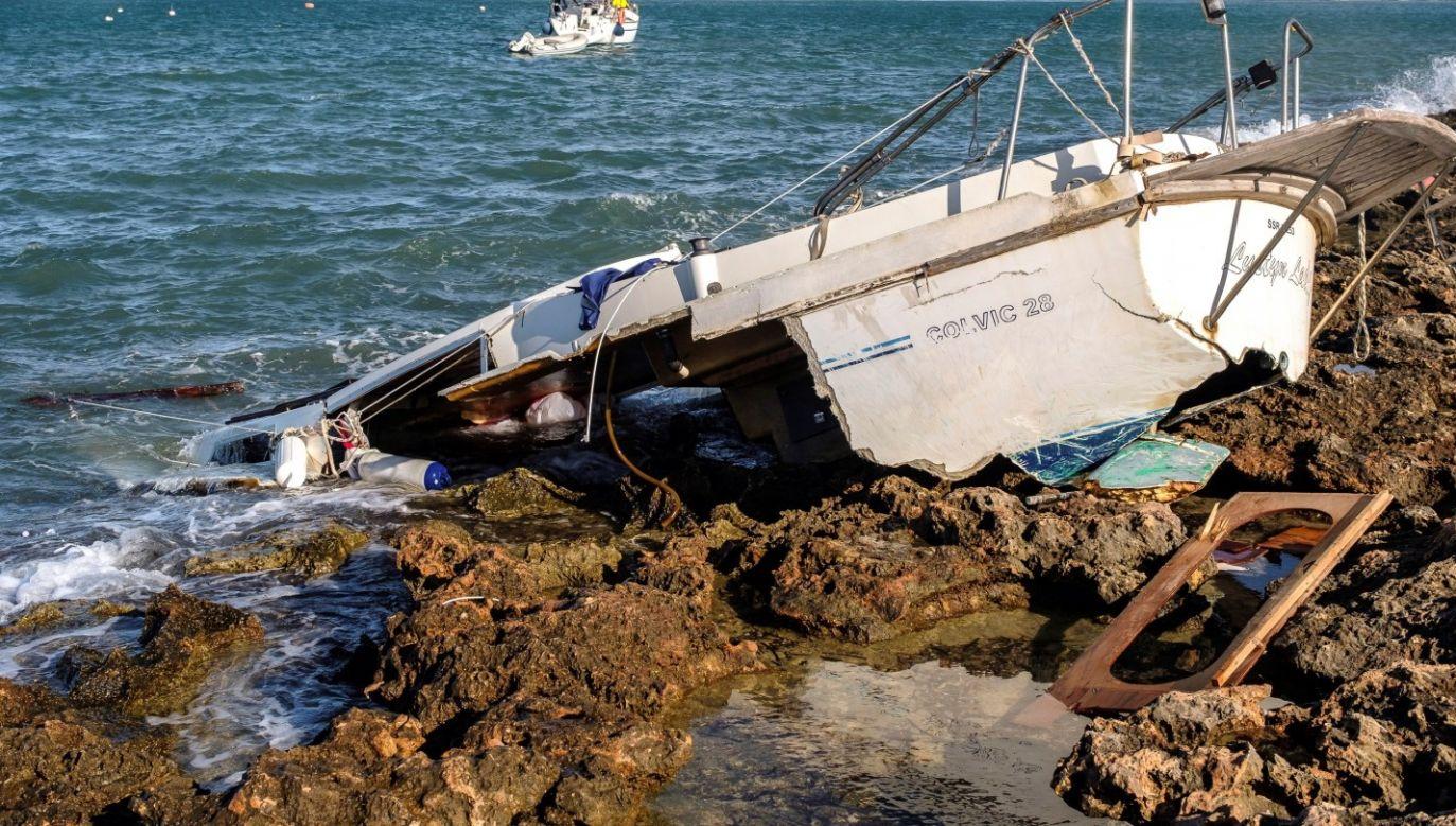 Wiatr osiągał prędkość do 100 km/h (fot. PAP/EPA/SERGIO G. CANIZARES)