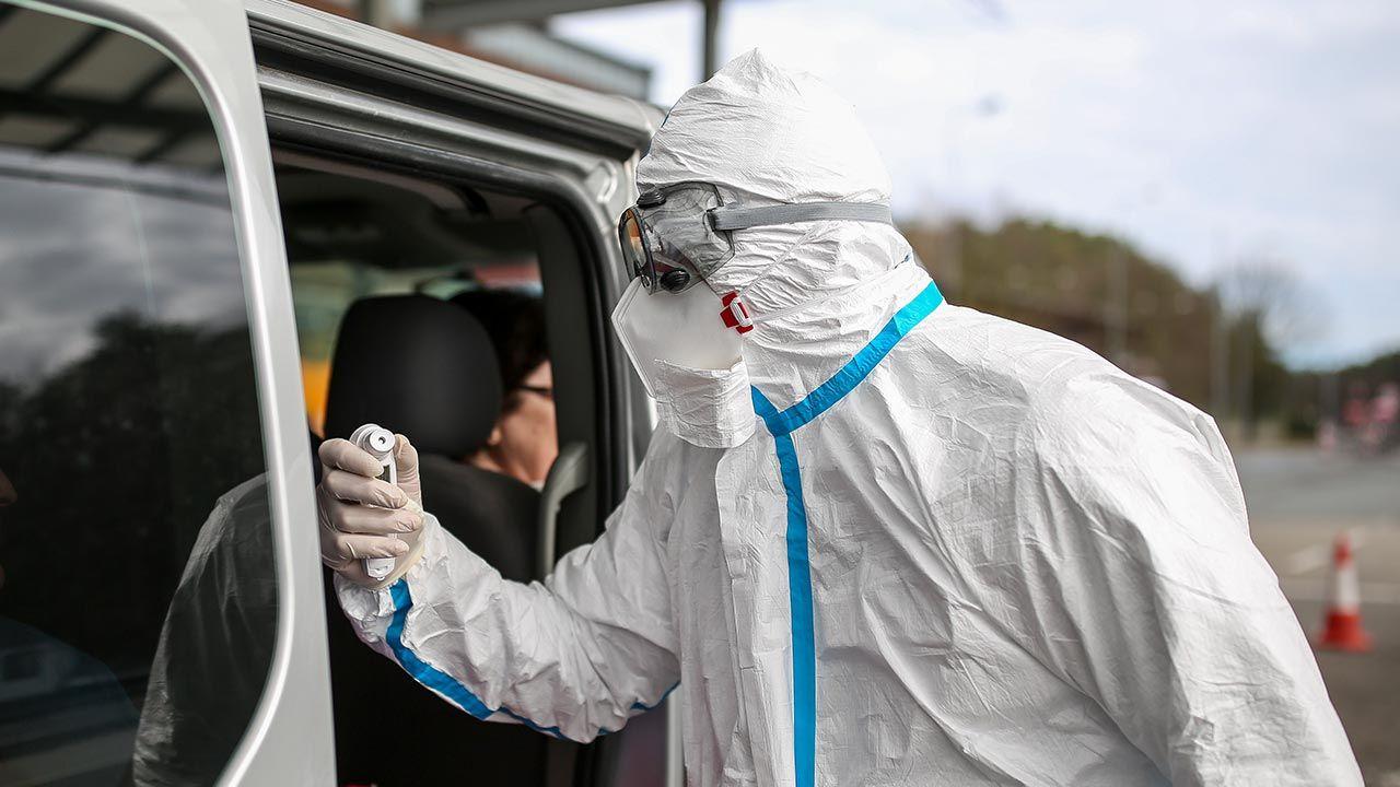 Profesor zwrócił uwagę, że pełną odporność uzyskujemy tydzień, dwa tygodnie po drugiej dawce szczepionki (fot. Maja Hitij/Getty Images)