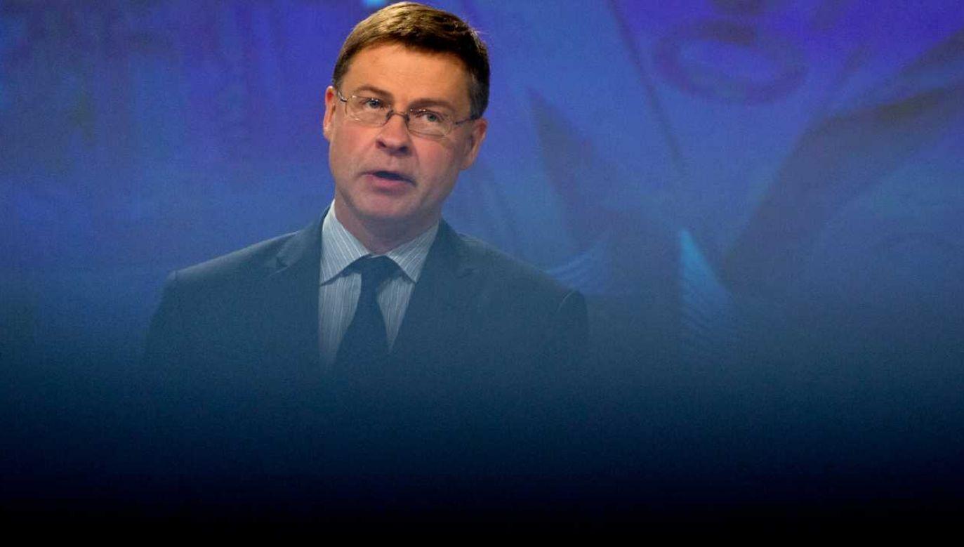 Wiceprzewodniczący KE Valdis Dombrovskis (fot. PAP/EPA/VIRGINIA MAYO / POOL)