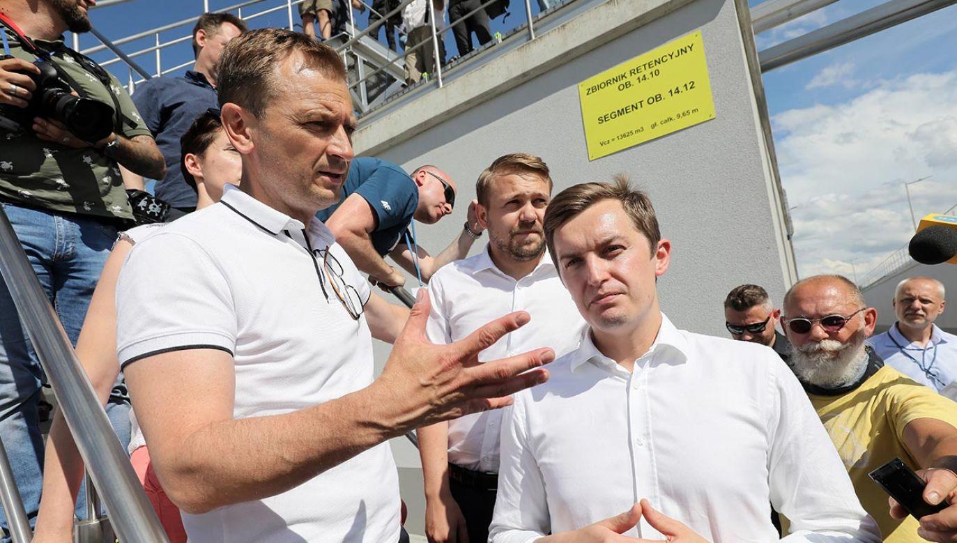 Poseł KO zablokował wiceministrowi wejście na konferencję Rafała Trzaskowskiego (fot.  PAP/Paweł Supernak)