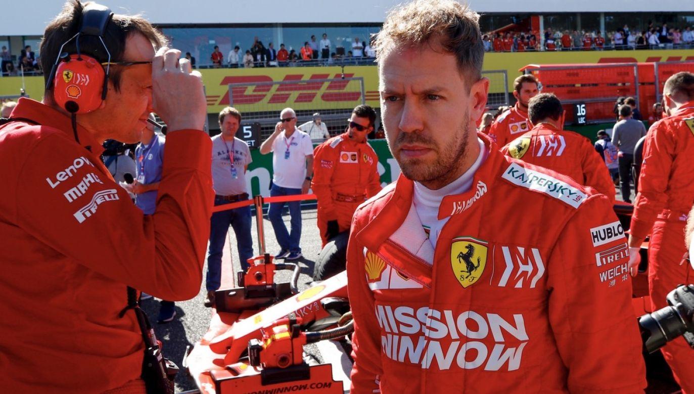 Kierowca wyścigowy ma zastąpić Sergio Pereza (fot. PAP/EPA/DIEGO AZUBEL)