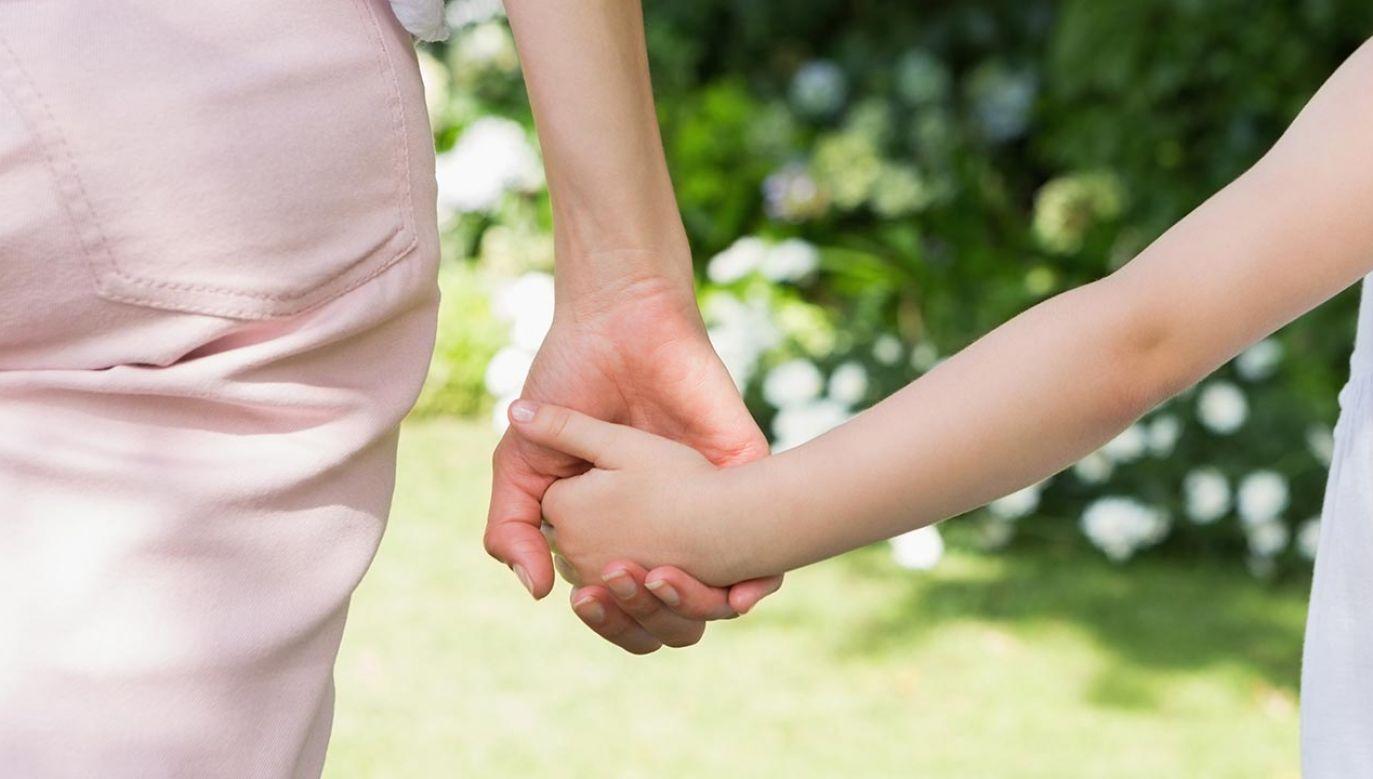 Dzieci mogą zostać w Polsce z matką (fot. Shutterstock/wavebreakmedia)