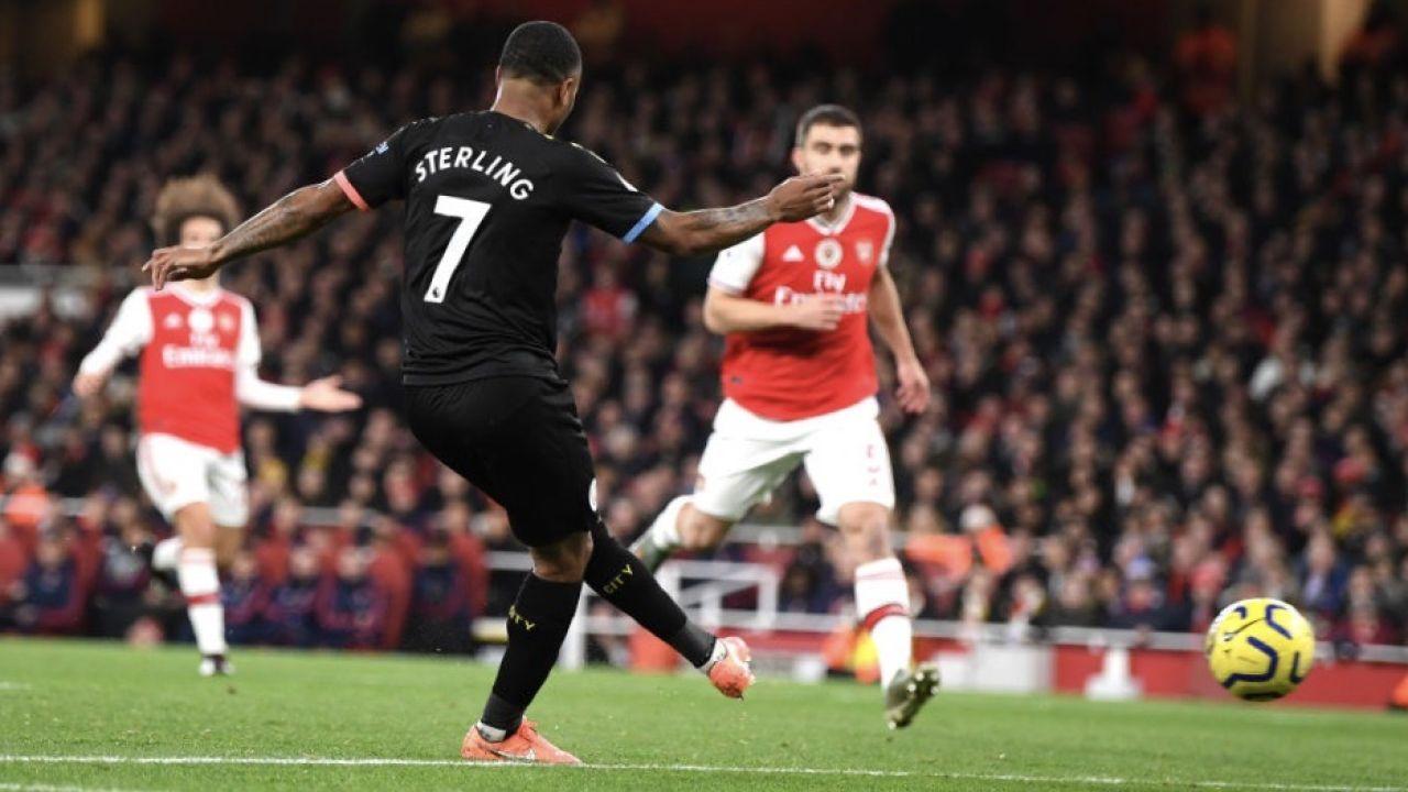 Manchester City wygrał z Arsenalem sześć kolejnych spotkań (fot. Shaun Botterill/Getty Images)