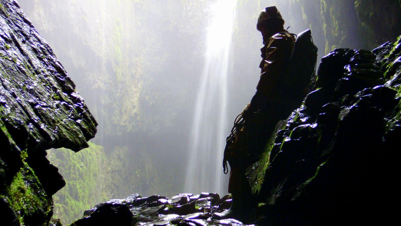 Jaskinia Alum Pot, jedna z najpiękniejszych w Yorkshire w Anglii. Fot. arch. Grzegorz Michałek