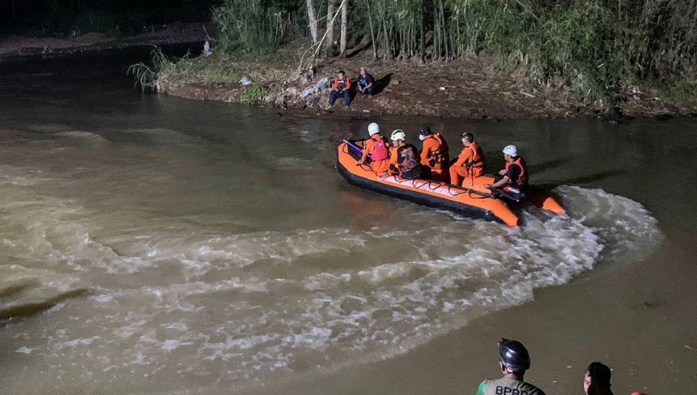 Uczniowie nie mieli na sobie żadnym kamizelek ratunkowych (fot. PAP/EPA/BASARNAS/HO HANDOUT)