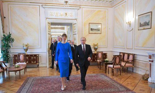 Prezydenci Estonii Kersti Kaljulaid i Rosji Władimir Putin podczas spotkania na Kremlu. Fot. Alexei Druzhinin / Rosyjskie Prezydenckie Biuro Prasy i Informacji / TASS via Getty Images
