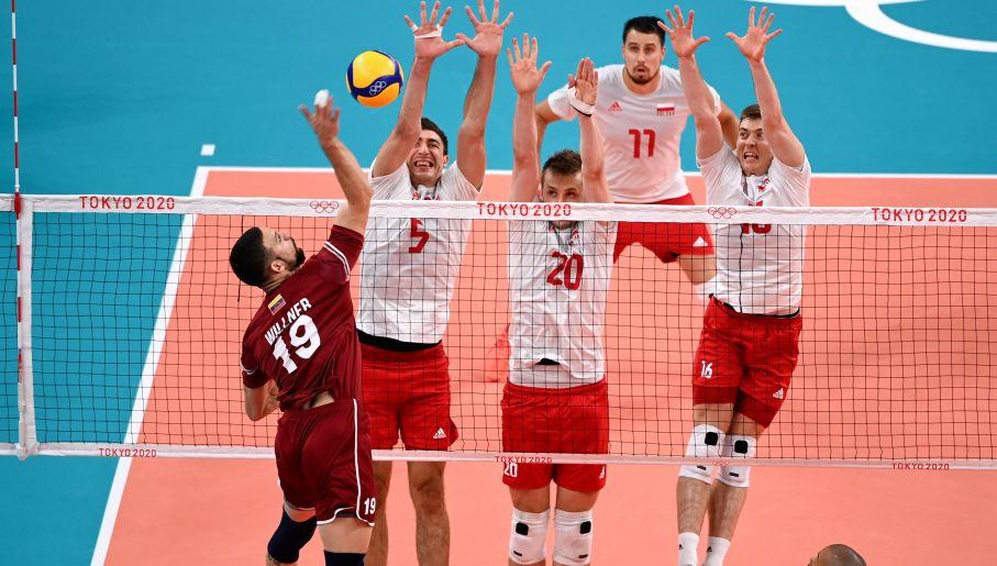 Polacy pokonali Wenezuelę 3:1 w trzecim meczu grupy A turnieju siatkarzy. (fot. PAP/Leszek Szymański)