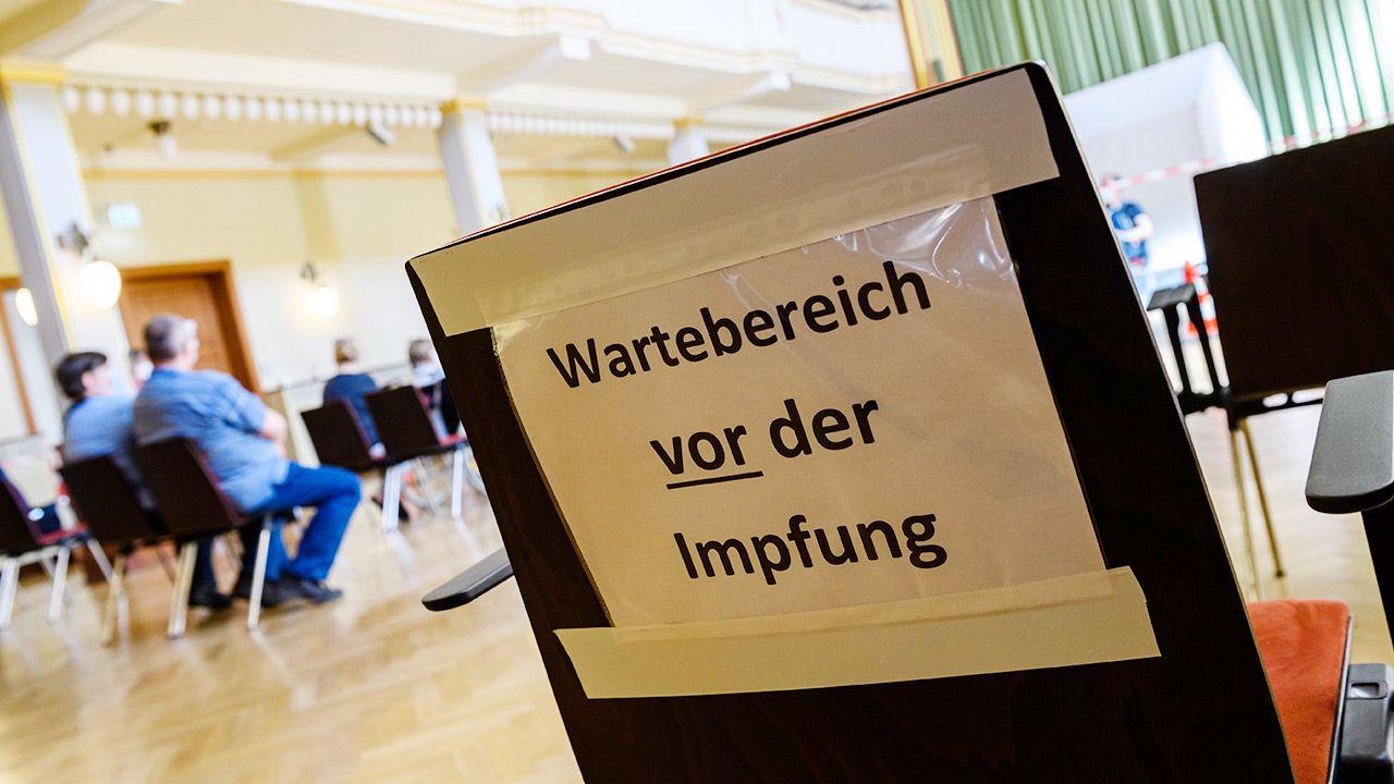 Niemcy sami wykańczają się swoją biurokracją – mówi mąż Ewy (fot. Jens Schlueter/Getty Images)